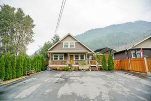 ~*~ Beautiful Home in Harrison Hot Springs ~*~