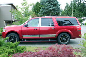 Pulling a trailer this summer? Lincoln Navigator Luxury SUV !
