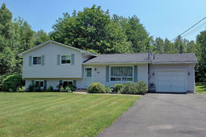 OPEN HOUSE - SUN, OCT 30 (2-4 pm)  Country Living Near the City!