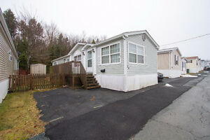Fantastic Value, Great Mobile in Maple Ridge Park! Why Rent!