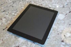 Ipad 2 3g 32 GB with cracked screen