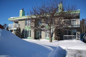 Très beau condo de 2 chambres, 2 salles de bain Saguenay Saguenay-Lac-Saint-Jean image 8