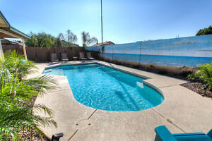 Heated Private Pool, 3 Bedroom House in Red Mountain $200 USD