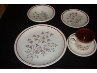Country style crockery