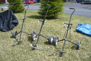 Chariot pour sac de golf  $15 & sac de golf  $12