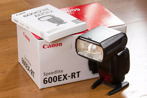 Canon 600 EX-RT Shoe Mount Flash 600EX-RT Speedlight Like New
