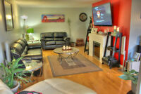 Spacious 1313 sq ft 2 bed upgraded condo! Open House Saturday 1-