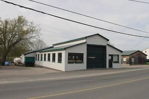 MULTI-UNIT COMMERCIAL WATERFRONT SPACE FOR LEASE!