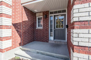 Lovely 3 bedrooms, 3 bathrooms end-unit home