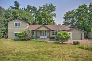 Charming 3 bedroom house on Tree-lined Street