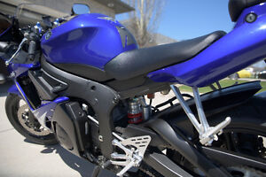 Yamaha R6S in an excellent condition with low KM Sarnia Sarnia Area image 2