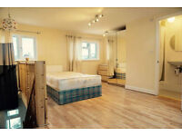 WOOW! Double ensuite ready now. Docklands, south quay, canary wharf. Must see!!