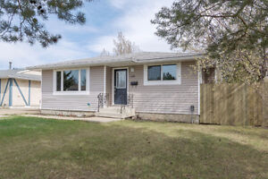 SUPERB COMPLETELY RENO'D BUNGALOW IN MORINVILLE!!!!