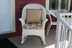2 synthetic Wicker Rocking Chairs