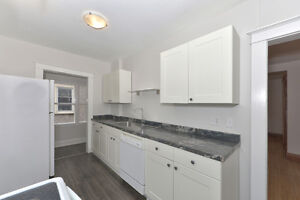 LUXURY ALL INCLUSIVE: May 1st Student Rental- 5 Bdrms London Ontario image 7