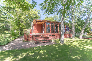 337 Daniel Dr., North Grove Buffalo Pound -2 BDR WATERFRONT HOME