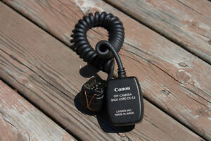 Canon OC-E3 off-camera flash cable shoe