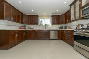 BEAUTIFULLY UPDATED Family home on .22 acre Comox / Courtenay / Cumberland Comox Valley Area image 5