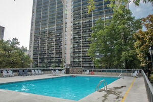 Beautiful Big Apartment in a building in High Park - July - 3bed