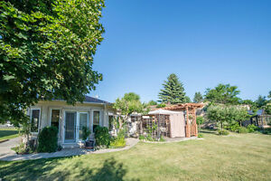 ovely Side-Split Bungalow In High Demand King City! LARGE LOT!