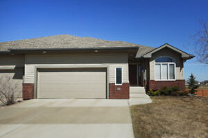 HIGH END, ADULT LIVING (45+) BUNGALOW in SHERWOOD PARK!