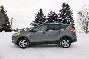 2013 Ford Escape SE Crossover- 4 BRAND NEW TIRES & ONE OWNER!!