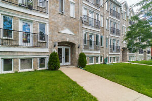 NDG: Large & spacious 4 1/2 condo with parking for sale
