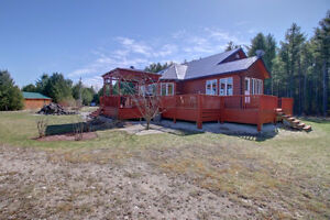 4500 sq ft Country Oasis Home on 42 Acres, 3 acre Lake! London Ontario image 4