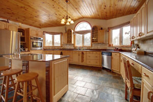 4500 sq ft Country Oasis Home on 42 Acres, 3 acre Lake! London Ontario image 7