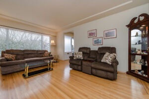 Central Coquitlam-4 BDRMs 2 baths-mins to SFU