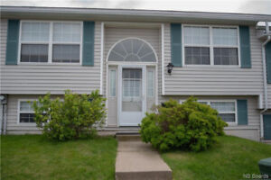 PRICED TO SELL- TOWNHOUSE EAST SIDE