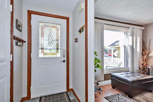 Location! Don't Miss Out On This Fantastic Detached Home Kitchener / Waterloo Kitchener Area image 2