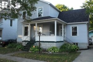 House for rent SARNIA  3 bedrooms, 2 bathrooms, garage