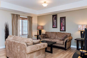 Open concept 2 bed, 2 bath condo in Lorette!