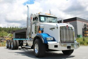 2013 Kenworth T800 Tri-Drive Extended DayCab 18spd