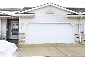 BEAUTIFUL BUNGALOW W/ DBL ATTACHED GARAGE IN SPRUCE GROVE