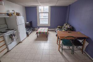 2 Bedroom Berri-Uqam Apartment - June 1st Lease Transfer