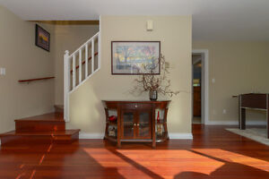 BEAUTIFULLY UPDATED Family home on .22 acre Comox / Courtenay / Cumberland Comox Valley Area image 3
