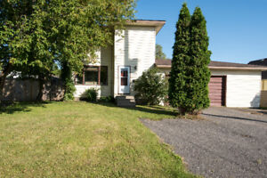 OPEN HOUSE Sun Oct 22, 1-3 pm   GREAT FAMILY HOME ON NORTH SIDE