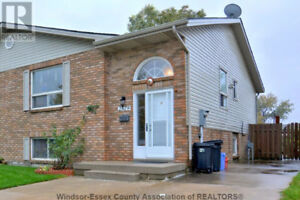 This gorgeous 3 bedroom home is a dream come true!