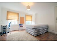 Charming studio flat on the top floor of a period house Kings Cross 2 Mins from Tube!!