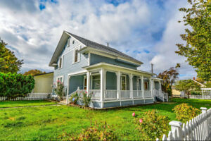 ***Fixer Upper ... Great Opportunity!!!***
