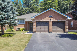 BUNGALOW House in Barrie! One of the Most Desirable Areas!