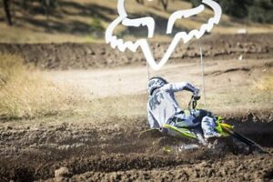 BLOW OUT SALE ON 2018 FOX V1 MOTOCROSS HELMETS
