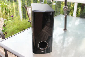 LG (SH93PA-W) Surround Sound Home Theater Sub Woofer Speaker
