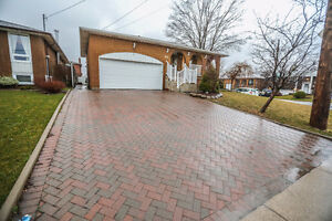 LARGE HOME W/ SEPARATE ENTRANCE  FOR EXTENDED FAMILY!!!