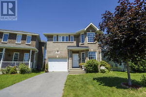 For rent-5 bedroom home in beautiful conservatory pond