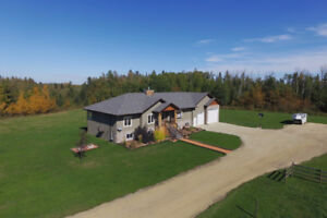 Stunning 80acre Acreage Set up with a Outdoor Riding Arena