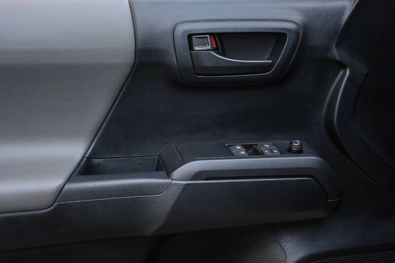 Image 13 Voiture American used Toyota Tacoma 2019