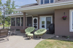 A stunning home with a breathtaking view of the Adirondacks! Cornwall Ontario image 4